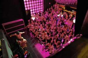 Kino Nightclub, manlig strippa